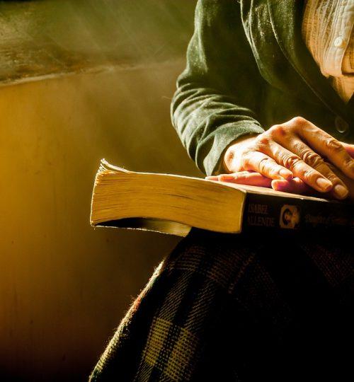 book-woman-hands-1421097.jpg
