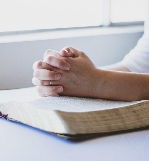 prayer-bible-christian-1308663.jpg