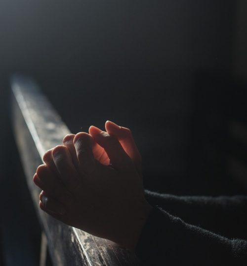 prayer-hands-church-2544994.jpg